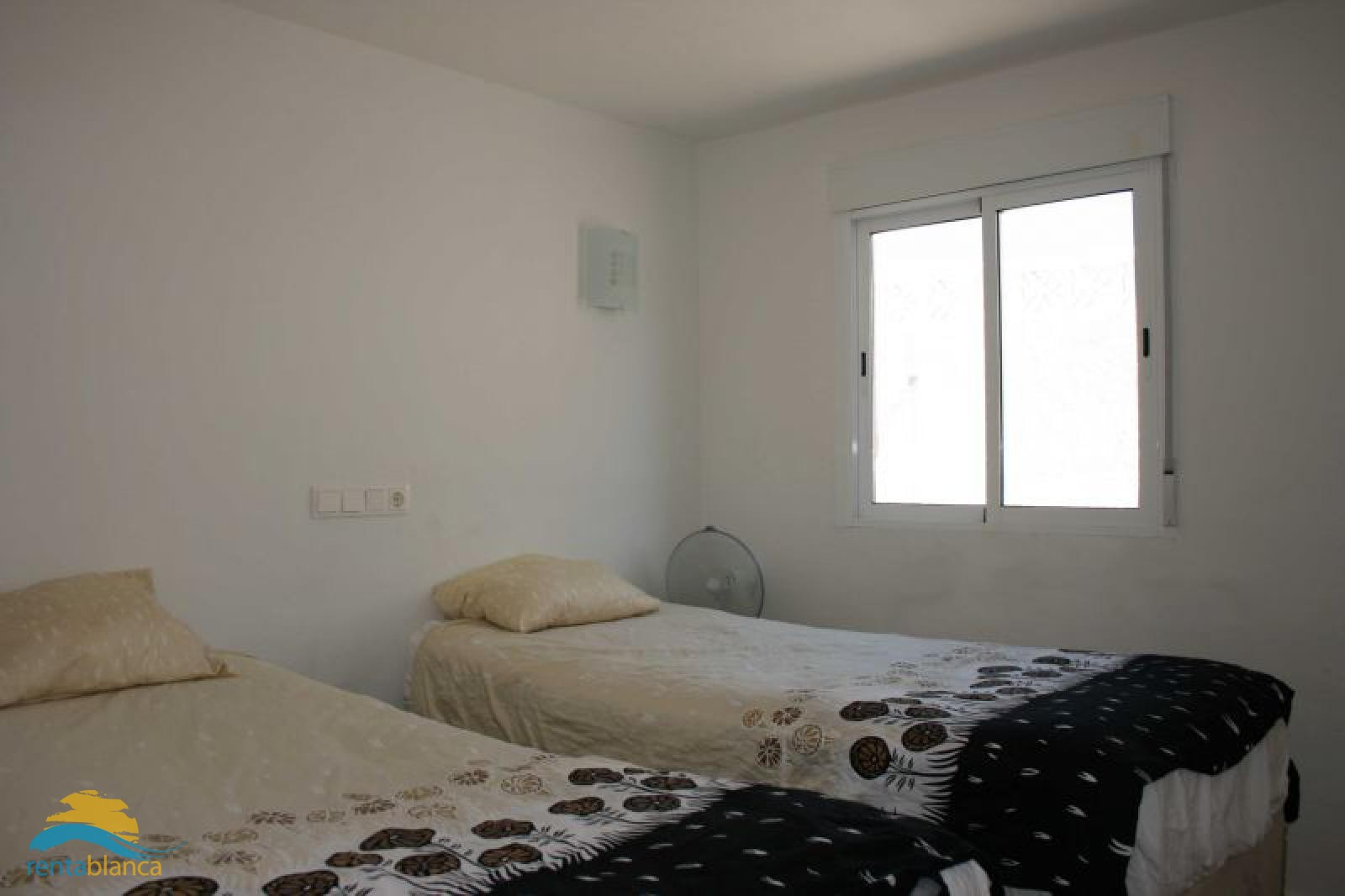 Villa with separate downstairs apartment - Rentablanca