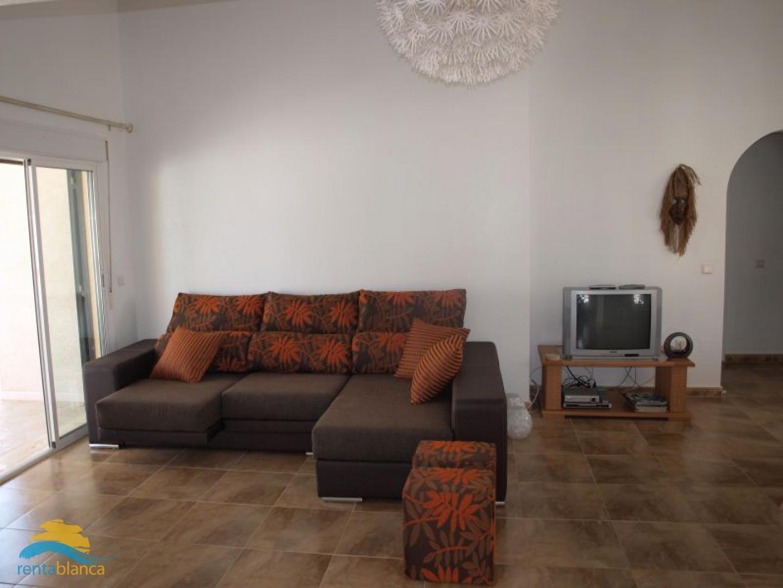 Villa with separate downstairs apartment - Rentablanca