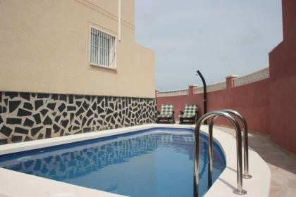Holiday house with private pool - Rentablanca