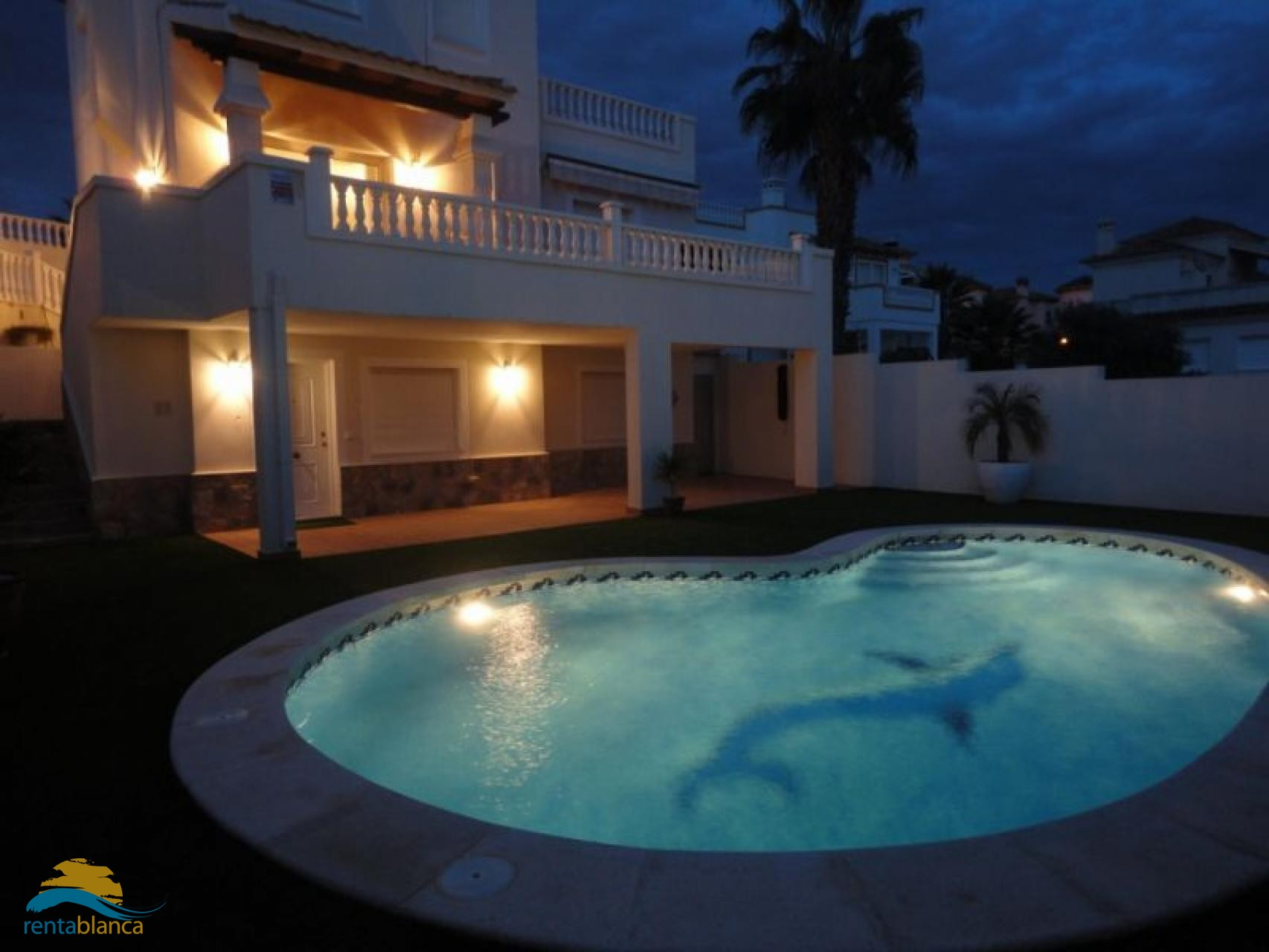 Luxurious and spacious villa - Blue Hill - Rentablanca